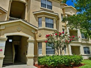 00050324 - Luxuriously Upgraded 3BR/2B Condo In Terrace Ridge - Davenport vacation rentals