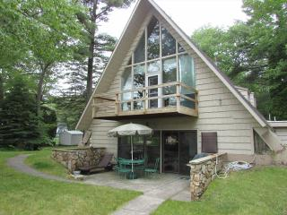 Nice 4 bedroom House in Oscoda with Internet Access - Oscoda vacation rentals