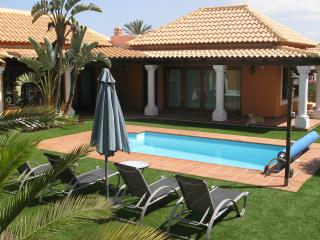 Villa with heated pool & wifi - Corralejo vacation rentals