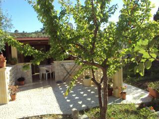 Cozy 2 bedroom Molinella House with Balcony - Molinella vacation rentals