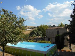 L'uliveto - Casa di campagna vicina al mare - Bellante vacation rentals