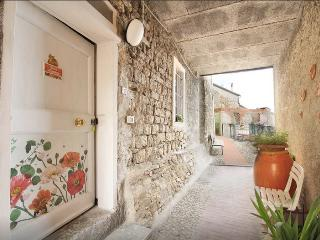 Casa Sandrina appartamento ammobiliato ad uso turi - Levanto vacation rentals