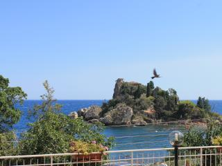 Taormina Isola Bella Apartment - Taormina vacation rentals