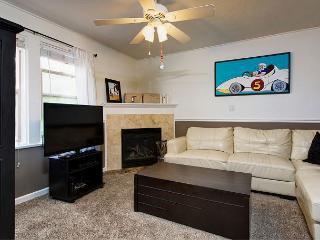 2BR Condo in Center Park City – Walk to Main Street & Town Lifts, Sleeps 8 - Park City vacation rentals
