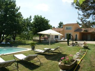 VILLA LE GRAND CHENE  entre LAVANDE et LUBERON - Reillanne vacation rentals