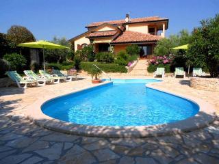 Villa Patty a Kastel - Istria con piscina privata - Umag vacation rentals