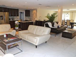 Upscale Winter Park Home \ Large Bedrooms, Elegant - Winter Park vacation rentals