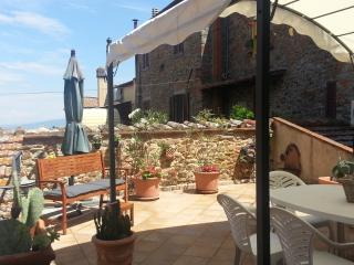 Nice Townhouse with Short Breaks Allowed and Kettle - Rigomagno vacation rentals
