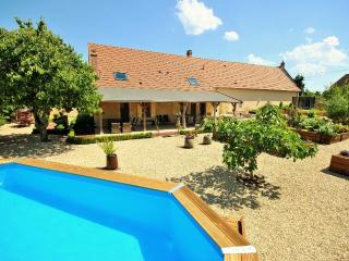 Beautiful Villa with Internet Access and Television - Narcy vacation rentals