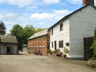 MILLER'S REST COTTAGE, detached, woodburner, parking, garden, in Churchstoke, Ref 924200 - Church Stoke vacation rentals