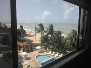 Flat mobiliado a beira mar da Praia de Piedade - Jaboatao Dos Guararapes vacation rentals