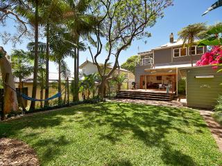 Tropical Hide-Away close to Manly - Fairlight vacation rentals