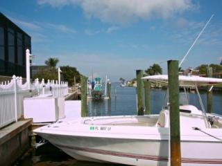 Royal Palm Drive - Boater's Paradise and Spring Training Baseball Headquarters - Bradenton vacation rentals