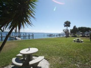Anna Maria Island Pelican Cove - Gulf Beach and Bay Fishing - Bradenton Beach vacation rentals