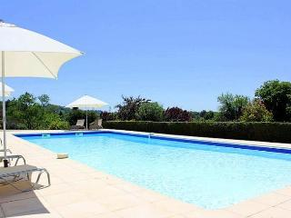 Wonderful House with Private Outdoor Pool and Waterfront - Lugon-Et-L'Ile-Du-Carnay vacation rentals