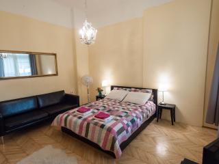 Piano POP Apartments, Two-bedroom apartment - Budapest vacation rentals