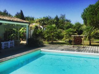 Grande propriété avec piscine proche de la plage - Les Portes-en-Re vacation rentals