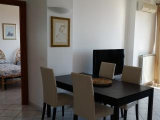 Charming 2 bedroom Townhouse in Soverato Marina with A/C - Soverato Marina vacation rentals