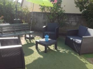 Beau studio avec jardin privé - Nanterre vacation rentals