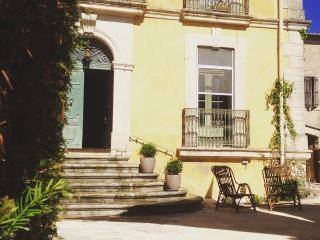D'oc D'or Chambres et table d'hôtes - Murviel-les-Beziers vacation rentals