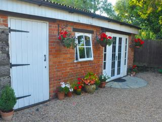Romantic Lodge with Internet Access and Toaster - Folkestone vacation rentals