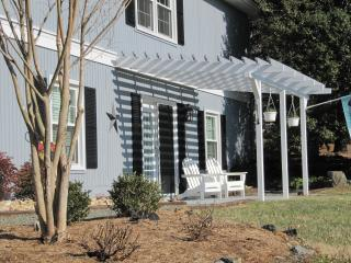 Ivy Farms Apartment - 2 bdr, 1 bath - Charlottesville vacation rentals