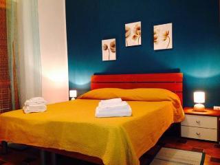 2 bedroom Condo with Short Breaks Allowed in Vibo Valentia Marina - Vibo Valentia Marina vacation rentals