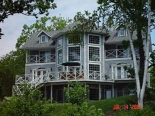 Lakeridge - Gorgeous Cape Cod in South Muskoka - Port Severn vacation rentals