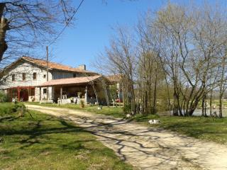 Romantic 1 bedroom Vic-Fezensac Guest house with Internet Access - Vic-Fezensac vacation rentals