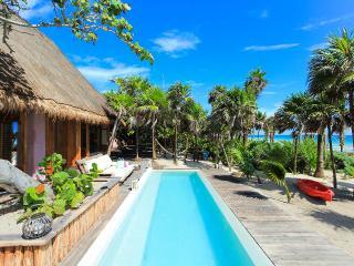 Casa Cantarena, Sleeps 2 - World vacation rentals