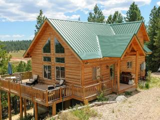 Strawberry Fields - Sleeps 12 - Duck Creek Village vacation rentals