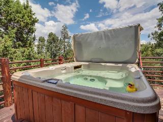 Private hot tub, wood-burning fireplace, near skiing! - Big Bear City vacation rentals