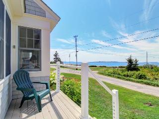 Spacious family-friendly seaside home with expansive views! - East Boothbay vacation rentals