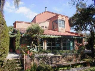 Chácara Nobre-quadra tênis oficial,6 dorm, piscina - Atibaia vacation rentals