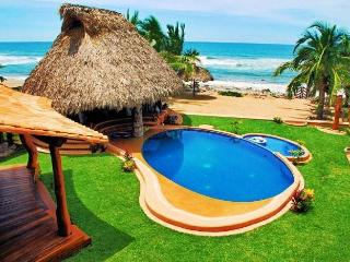 Casa Luna del Mar in Troncones (2-20 people) - Troncones vacation rentals