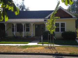 Fantastic Campus Location - Eugene vacation rentals