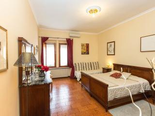 Finally Roma Apartment 1 - Rome vacation rentals