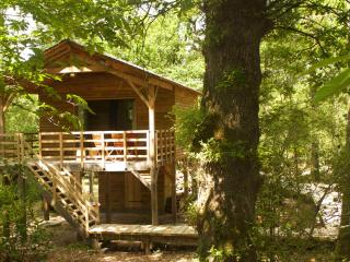 Nice Tree house with Balcony and Parking - Saint-Georges-des-Sept-Voies vacation rentals