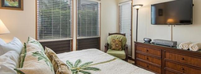 master bedroom - FREE Car* with Kahala 214 Partial Ocean View, 2bd/2baths. Great Location! - Poipu - rentals
