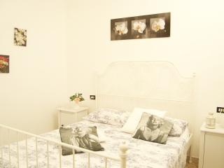 ROME&FLORENCE SUITESB&BRESIDENCE  coccinella - Pescara vacation rentals