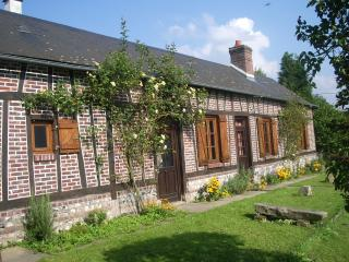 5 bedroom Cottage with Satellite Or Cable TV in Saint Saens - Saint Saens vacation rentals