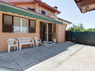 Intera casa - A due passi da Roma - Ciampino vacation rentals