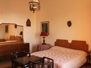 Romantic 1 bedroom Townhouse in Castagneto Carducci with Internet Access - Castagneto Carducci vacation rentals