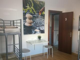 Marquês Gardens Hostel - Lisbon vacation rentals