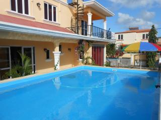 Bright 8 bedroom Villa in Pointe Aux Piments - Pointe Aux Piments vacation rentals