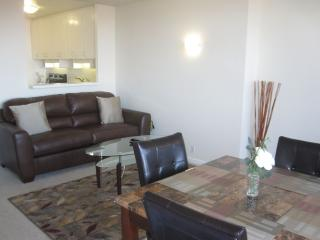 Financial District Next to Farmers Market 2 min - San Francisco vacation rentals