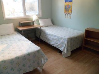 Comfortable Double Room in the centre of the city - Yellowknife vacation rentals
