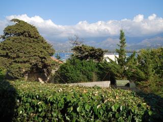 """Très bel appartement """"mare"""", vue mer et montagne, plage et port à 2 pas,  jardin avec transat et bar - Lumio vacation rentals"""
