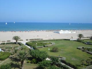 APPT  CABINE à 50 Mètres de la plage VUE MER 4ème - Canet-Plage vacation rentals