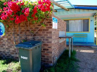 Perfect Cottage with A/C and Outdoor Dining Area - Kalbarri vacation rentals